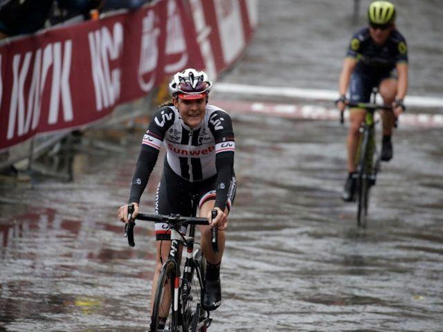 Lucinda trekt goede start door in Strade Bianche
