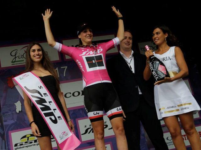 (Giro) 'Onwijs blij met tweede plaats in ploegentijdrit'
