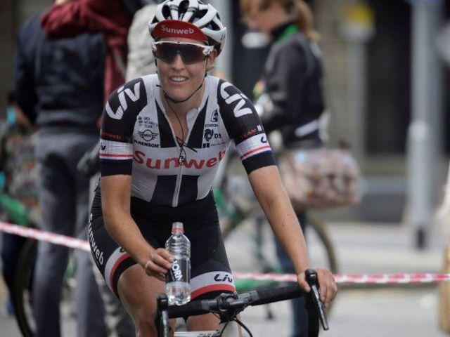 (Women's Tour) Goed verloop derde rit maar sprint leadout mislukt