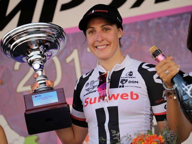 (Giro) Lucinda's triomftocht op video